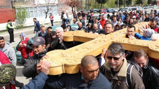 Drumul Crucii la Lupeni