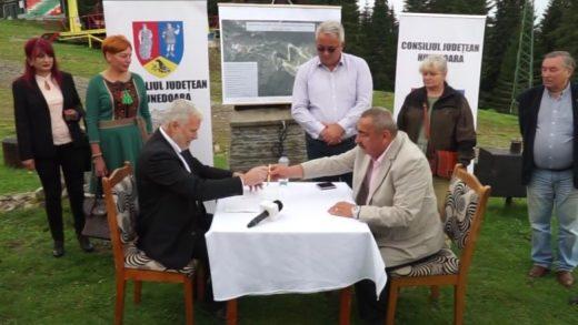 Contractul pentru drumul din Parâng a fost semnat